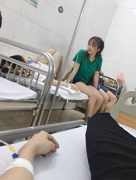 小哥剛割完包皮留院休息,傷口卻因為她而爆開
