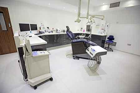 牙科诊所器材没做好消毒,近600人恐染艾滋