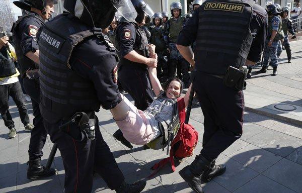 俄民宗上街争公平选举,逾千人遭警方逮捕