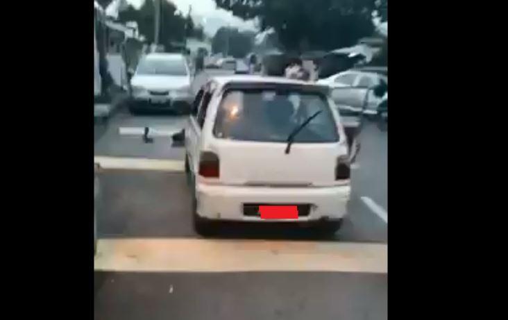 男子被殴打,推倒在地险遭辗压身体!